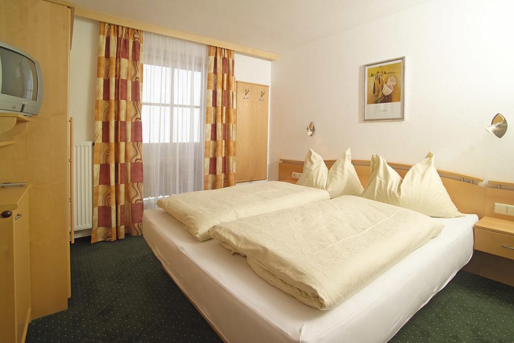 Ferienwohnung In Radstadt Salzburger Land Urlaub Am Bauernhof - Schlafzimmer mit wasserbett