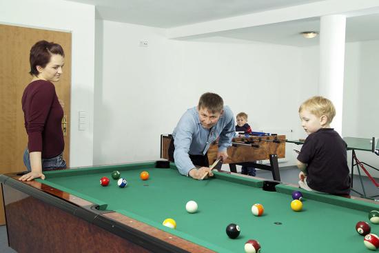 Angebote für Kinder & Teenager - Hobbyraum