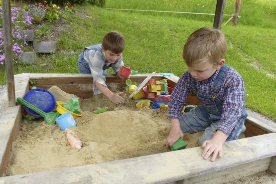 Angebote für Kinder & Teenager - Sandkiste